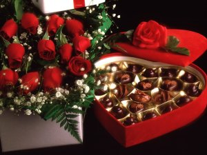 Valentines-Day-Wallpaper-With-Chocolates-And-Roses